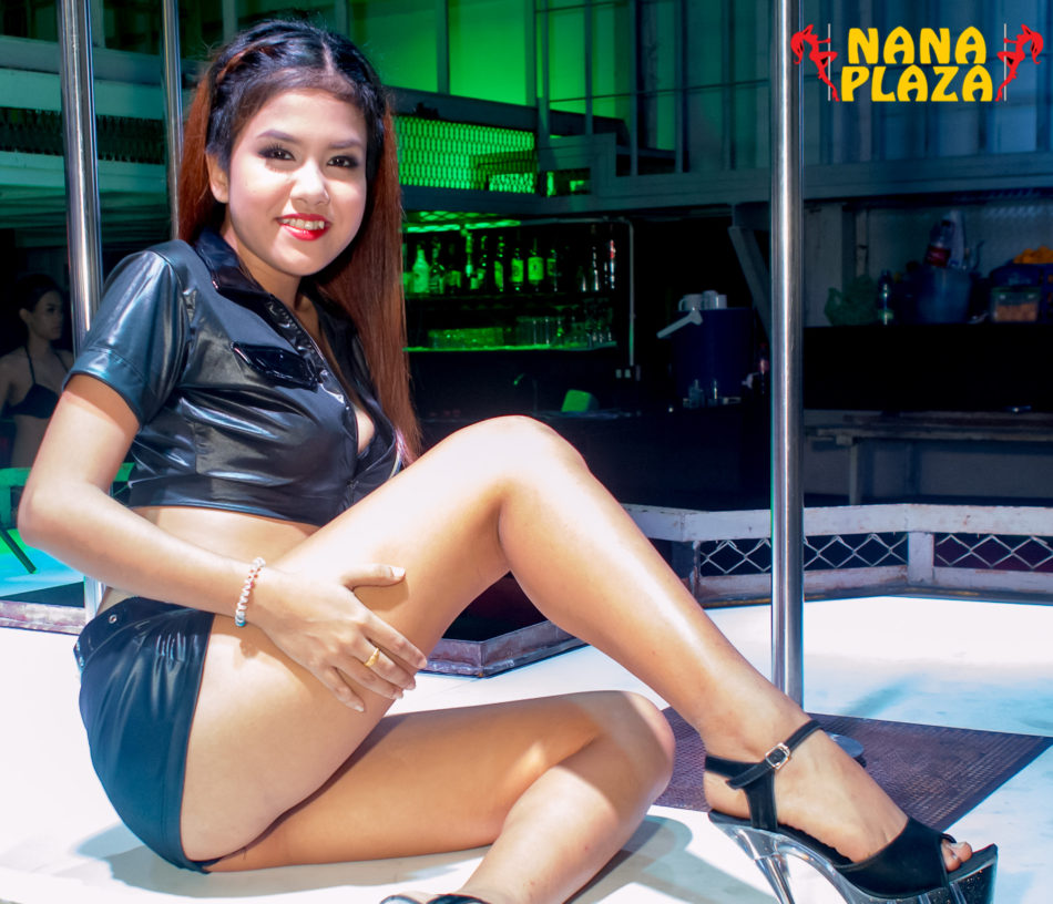 nana plaza black girls personals Plenty of bars can be found just outside nana plaza, along soi nana black morning night, stumble inn, big dogs, hillary 4, to name a few  hooters is just opposite nana plaza expect to see many girls hanging around the streets near nana plaza as this bangkok area is a very popular spot for freelancers.